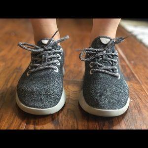 Size 7. Allbird wool runners